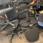 オフィスチェアや事務机などオフィスの不用品回収【松山市高岡町】