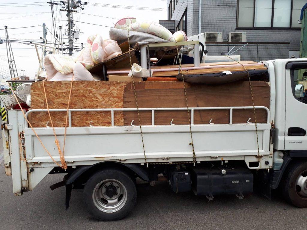 引っ越しに伴う不用品回収、2トンパック、レンジボード、その他 買取