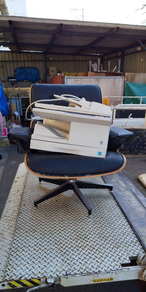 プリンターと椅子の回収