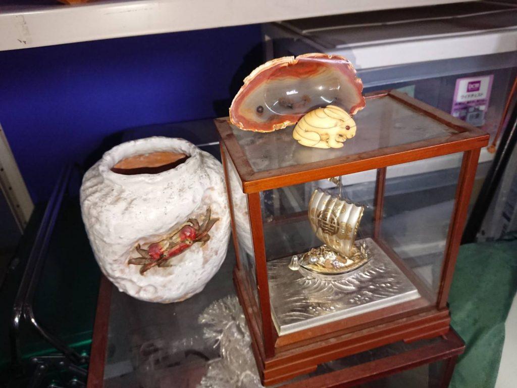 見積もり時に買取(アメジストクラスター、純銀置物、碁盤、碁石、香炉など)