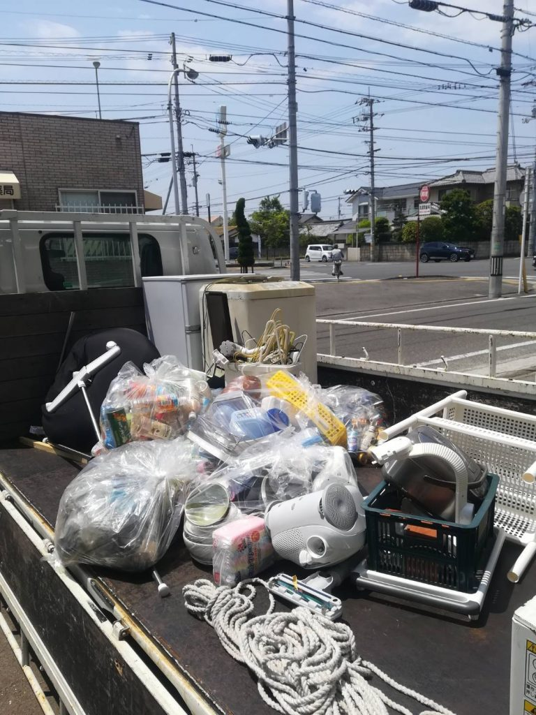 引越しに伴う不用品回収(冷蔵庫、洗濯機など)【松山市喜与町】