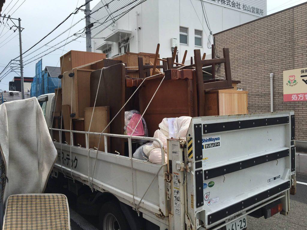 粗大ゴミの回収処分(松山市西長戸町)