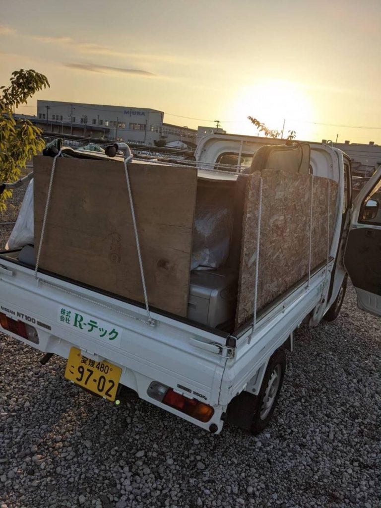 久谷町、片付けに伴う不用品回収、軽トラ山盛り