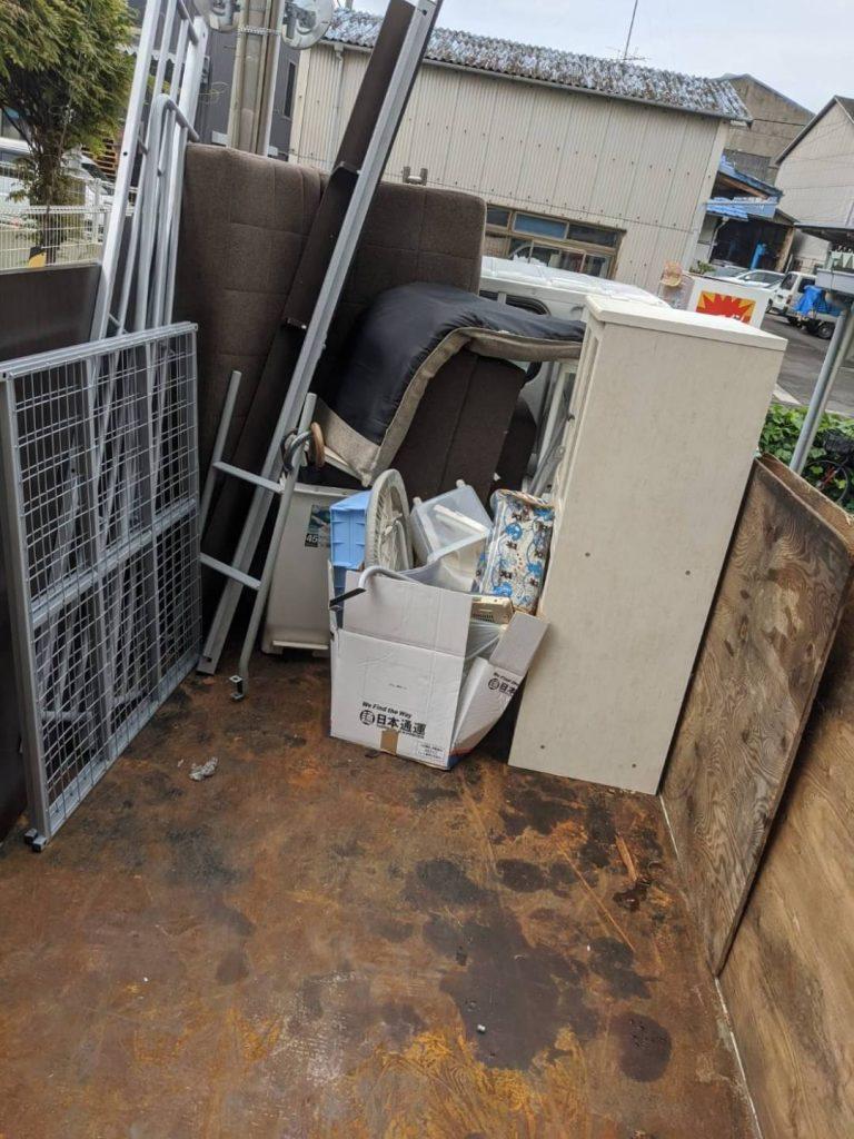 松山市安城寺、引っ越しに伴う不用品回収